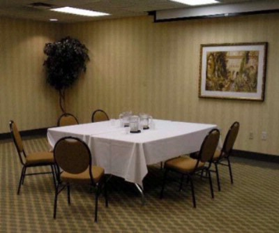 Comfort Inn & Suites Garden Room Meeting Space Thumbnail 1