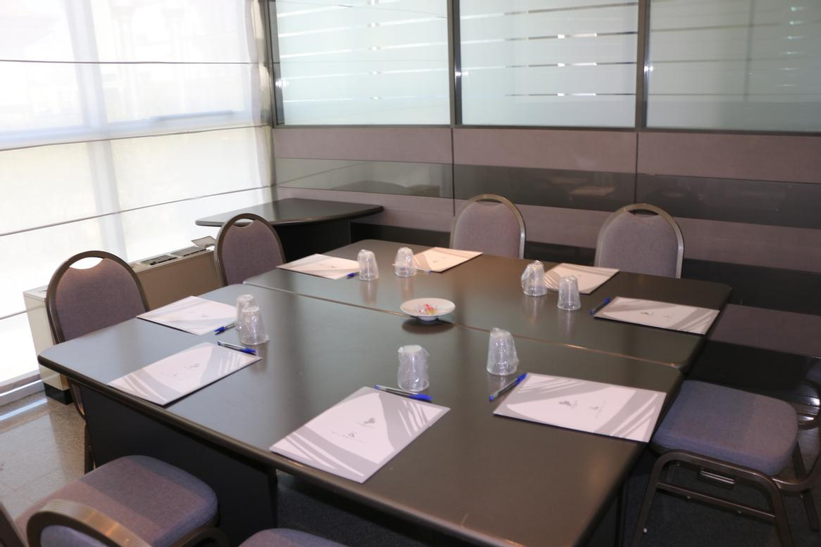 sala a Meeting Space Thumbnail 3