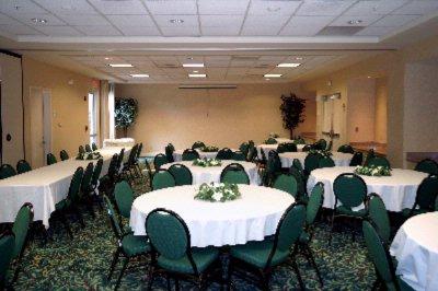 Hilton Garden Inn Fort Myers Fort Myers Fl 12600