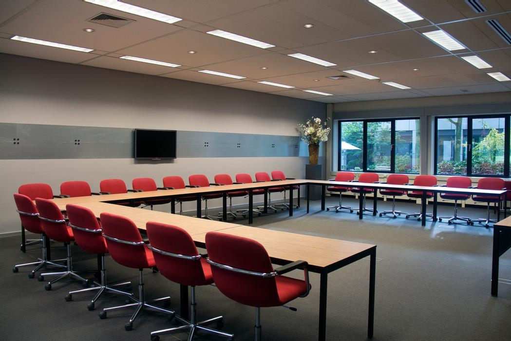 120m2 Conference Room Meeting Space Thumbnail 1