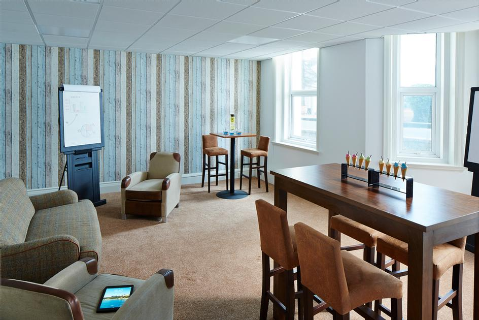 Sandbanks Suite Meeting Space Thumbnail 2