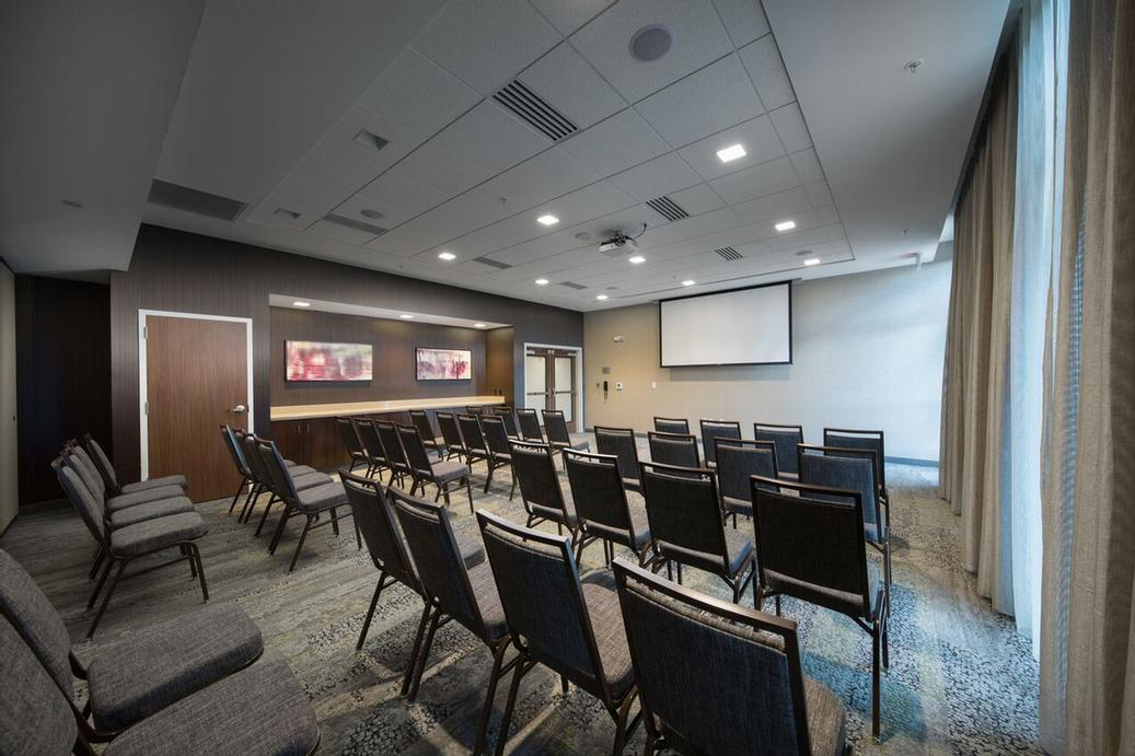Photo of Complete Meeting Space