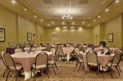 Large Banquet Room Meeting Space Thumbnail 1