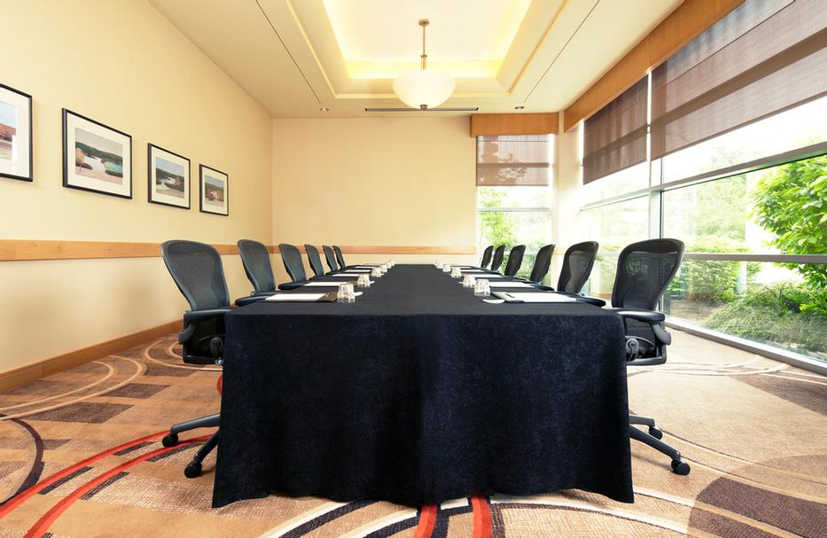 Photo of Earhart Boardroom