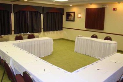 Photo of Hampton Inn meeting room