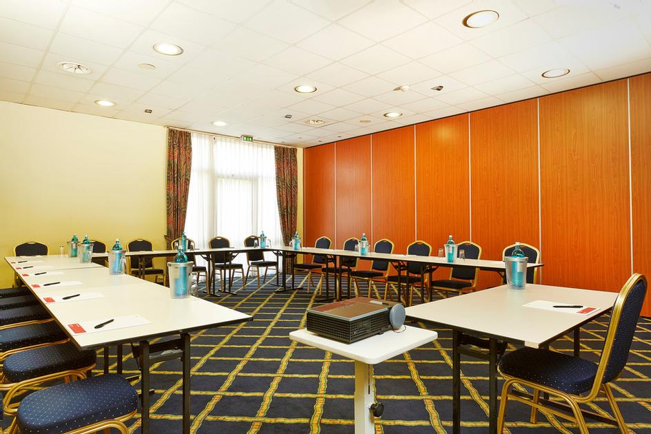 1 Berlin Meeting Space Thumbnail 2