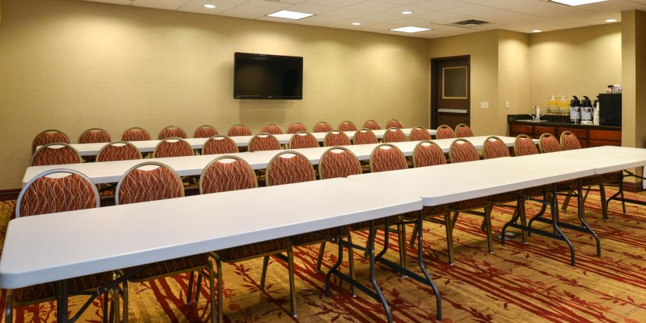 Holiday Inn Express Cherry Hills Meeting Room Meeting Space Thumbnail 1