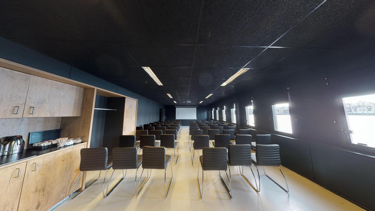 XL Room Meeting Space Thumbnail 1