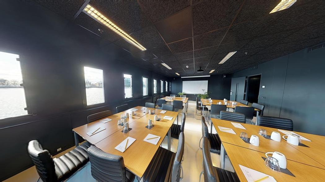 Large Room Meeting Space Thumbnail 2