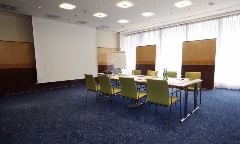Konferenzraum II Meeting Space Thumbnail 2