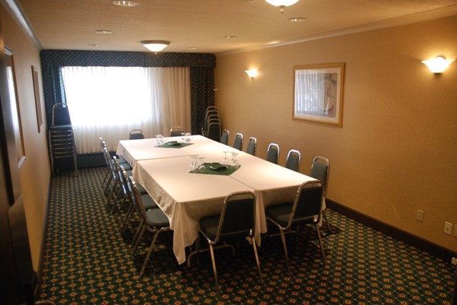 Photo of Kootenay room 200