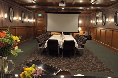 Crescent Room Meeting Space Thumbnail 2