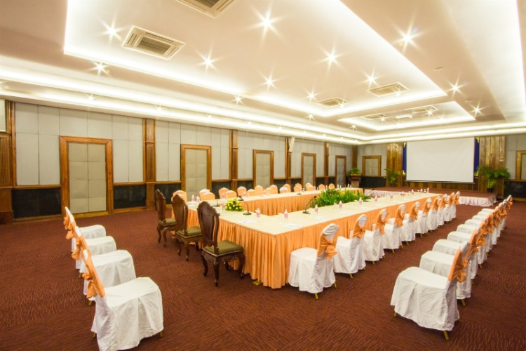 Grand Meeting & Banquet Room Meeting Space Thumbnail 2