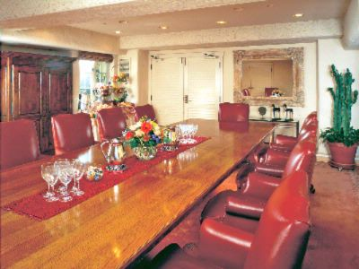 Pinos Boardroom Meeting Space Thumbnail 3