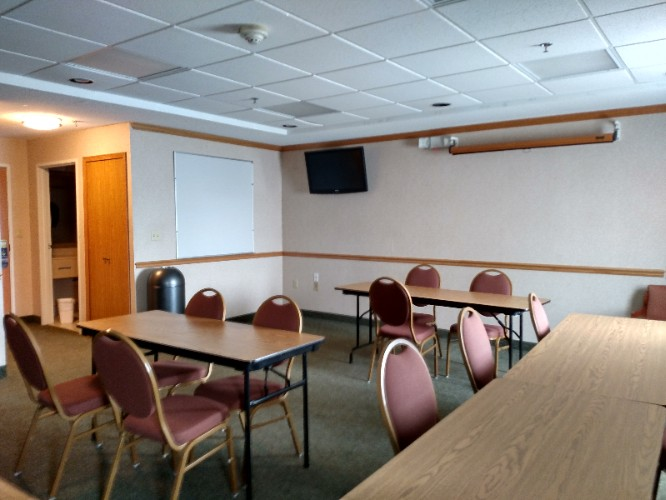 Hospitality Room Meeting Space Thumbnail 1
