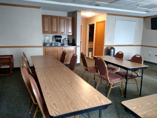 Hospitality Room Meeting Space Thumbnail 2