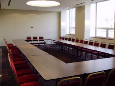 CONFERENCE ROOM LONDRA Meeting Space Thumbnail 2