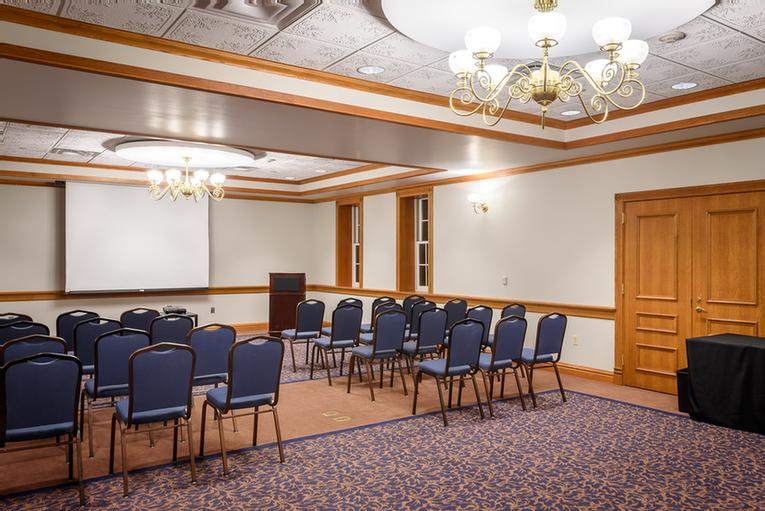 Winneshiek Room Meeting Space Thumbnail 2