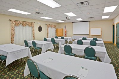 Country Inn & Suites Salina, KS Meeting room Meeting Space Thumbnail 2