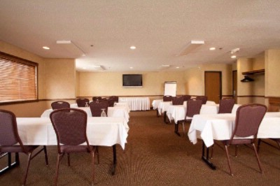 Super 8 meeting room Meeting Space Thumbnail 3