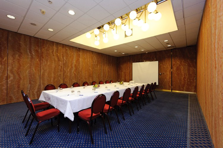 Photo of Romeo & Juiet conference room