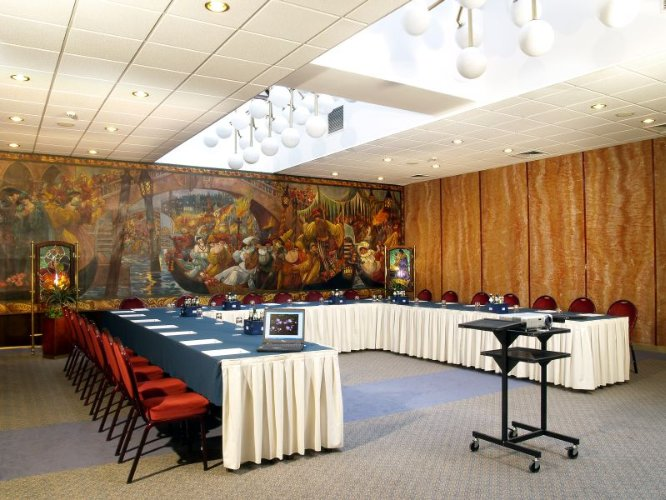 Photo of Venice+Romeo & Juliet conference room