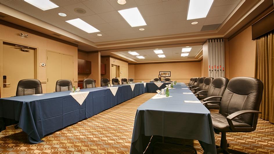 Gretzky Room Seminar One & Two Meeting Space Thumbnail 1