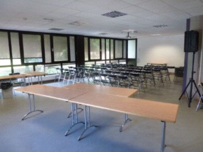 Salle 9 France Meeting Space Thumbnail 3