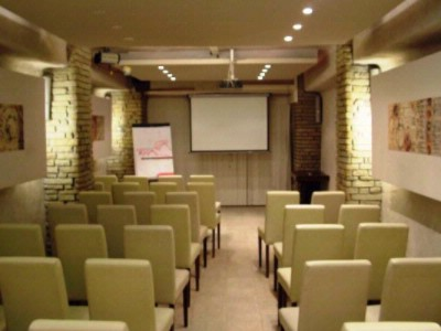 Ester Room Meeting Space Thumbnail 2