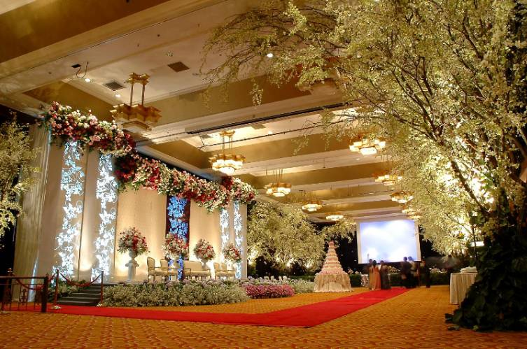 Photo 2 of Flores Ballroom