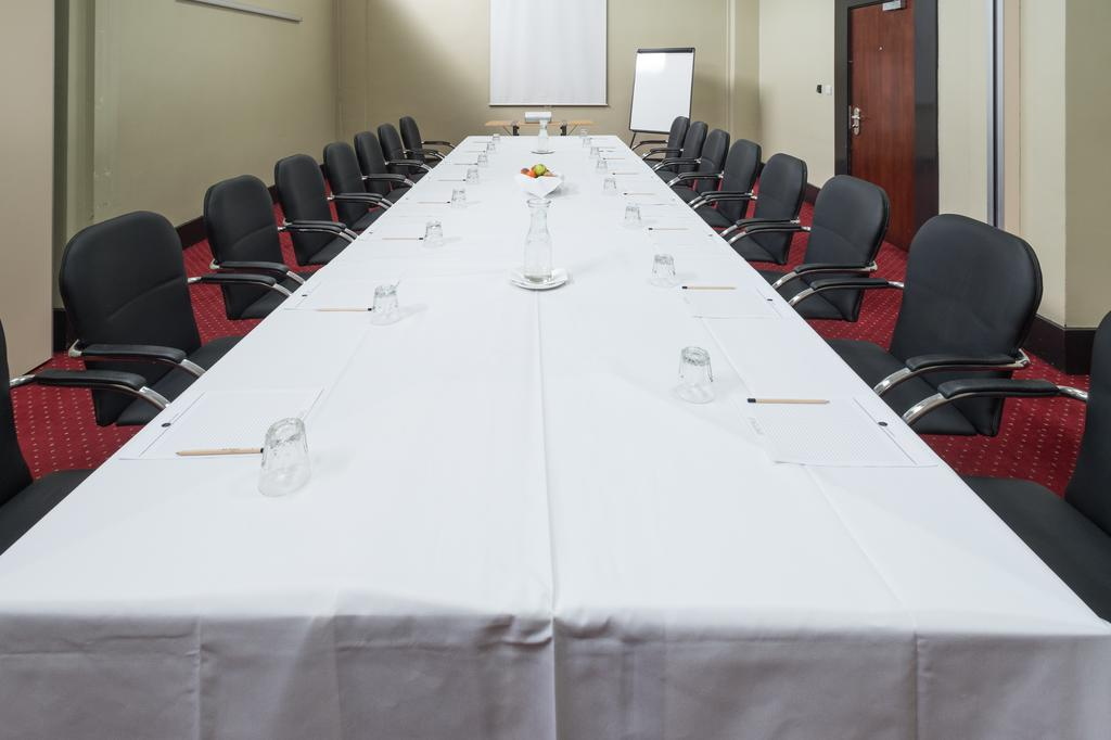 Omega Suite Meeting Space Thumbnail 2