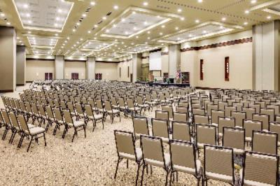 Manhattan Grand Ballroom Meeting Space Thumbnail 1