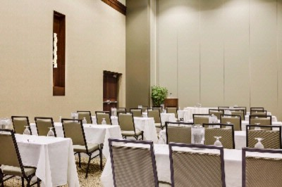 Manhattan Grand Ballroom Meeting Space Thumbnail 3