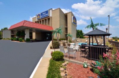 Best Western The Oasis at Joplin 1 of 9