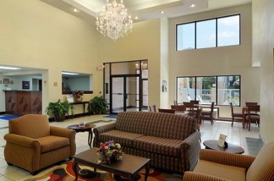 Executive Inn & Suites-Lobby 4 of 16