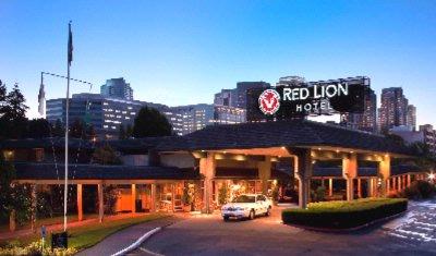 Red Lion Hotel Bellevue 11211 Main St Wa 98004