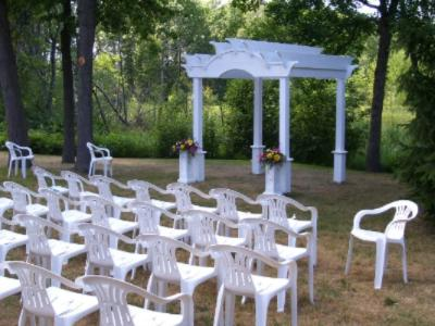 Outdoor Weddings 4 of 11