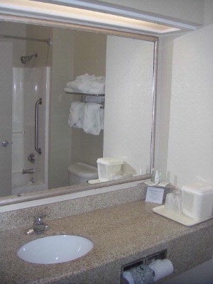 Clean Bathroom 7 of 7