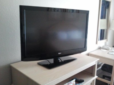 New Lcd Flat Screen Televisions 6 of 7