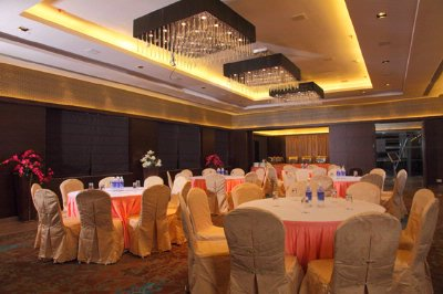 Banquet Hall 6 of 10