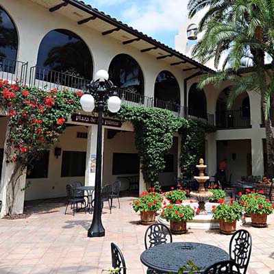 Las Palmas Courtyard By Hacienda Restaurant 5 of 31