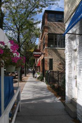 Roscoe Village Guesthouse 2104 West Chicago Il 60618