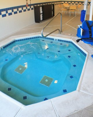 Indoor Jacuzzi 7 of 12