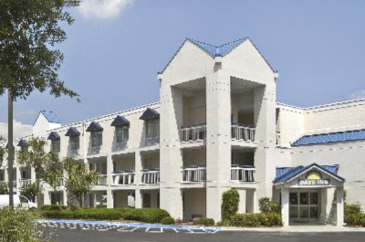 Hotel Exterior; 9 Marina Side Drive Hilton Head S. C. 2 of 11