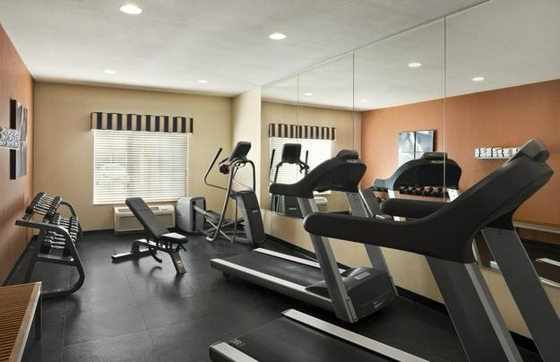 Fitness Center 18 of 20