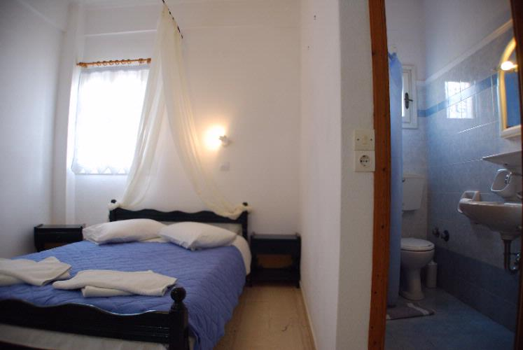 Small Double Room 7 of 23
