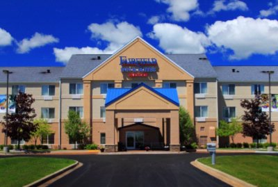 The Fairfield Inn & Suites Traverse City Is Ideally Located With Easy Access To The Many Attractions Of Traverse City. 2 of 13