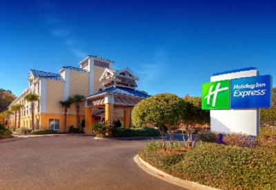Holiday Inn Express 1 of 13