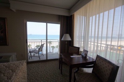 Corner Oceanfront Suite 15 of 16