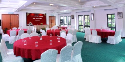 Conference Hall 4 of 12